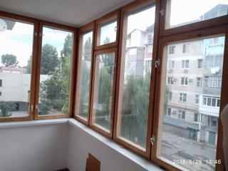 Балконная рама и дверной блок с двойным остеклением в отличном виде.