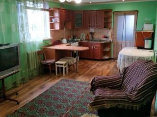 Продам 2 дома или обменяю на квартиру (3-2) с оплатой в обе стороны