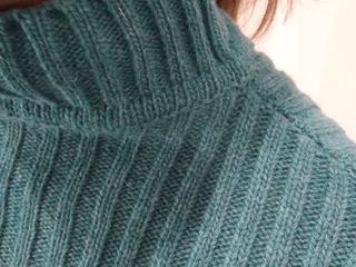 Ремонтирую вязанные вещи свитера туники платья