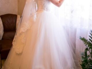 Продам свадебное платье ручной работы идеальное состояние 1 раз одето!