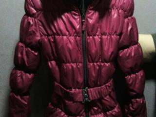 Куртка в очень хорошем состоянии 100 лей