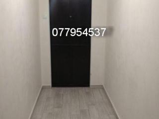 1-комнатная 9/9 плюс тех. этаж Казармы с ремонтом