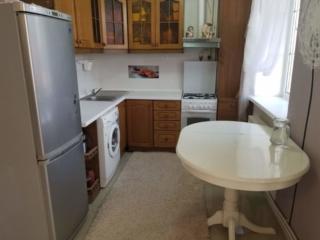 Riscani! Se vinde apartament cu 2 camere, complet mobilat, euroreparat