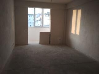 Riscani. Apartament cu 2 camere in varianta alba, bloc nou. 70 m. p.