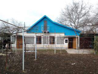 Продаётся дом в посёлке Красное с участком 9 соток 15000 $