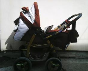 Продам коляску ADAMEX в хорошем состоянии