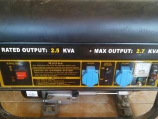 Продается новый бензиновый генератор в магазине