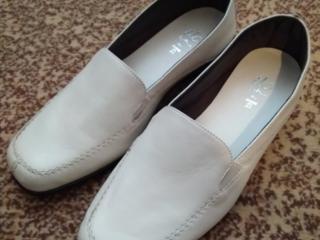 Продаю новые, из натуральной кожи, женские туфли 37 размер, 3 модели