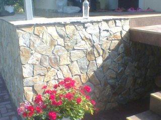 Lucrări cu piatra naturală!