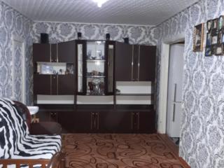 Обменяю 2-комнатную на 3-комнатную квартиру или дом