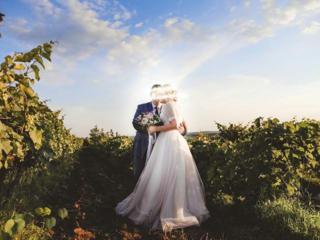 Свадебное платье нежно-пудрового цвета. Размер M-L (46-48).