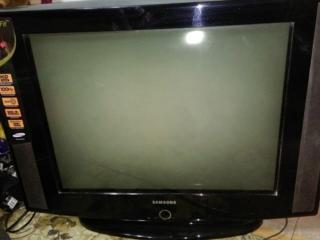 TV Samsung 100Гц 750 лей