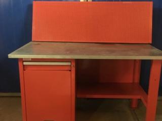 Продам компрессор, стол для СТО, подъёмник