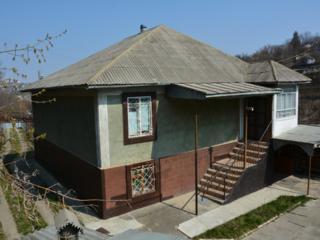 2-х этажный дом в г. Рыбница с удобствами, мебелью, на сахкамне= $36990
