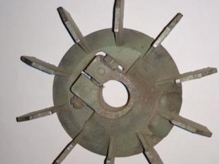 Продаётся алюмин. крыльчатка на электродвигатель диаметр посадки 20 мм