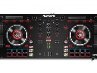 Numark Mixtrack Platinum.