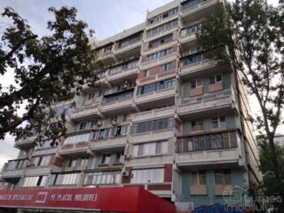Apartament cu o odaie, bd. Moscova, spatios, 36 m2, lodjie de 8 m2!