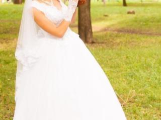 Свадебное платье. недорого. +подарок