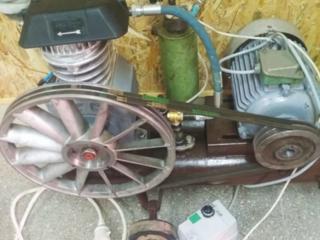 Продам компрессор СО-7 и зап. части на него.
