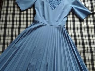Продам новое платье.