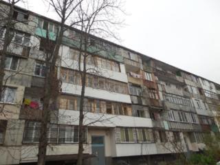 Мирон Костин, 2-комн., 3/5 этаж двусторонняя, середина, теплая!