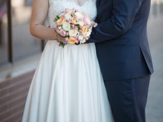 Продам недорого красивое и элегантное свадебное платье А-силуэта