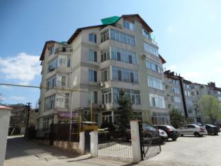 Apartament, cotileţ, 2 odăi şi living de 40 m. p. Durlesti