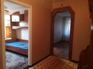 Продам 3-х комнатную, 3/5 угловая, ванная и туалет раздельные, имеется