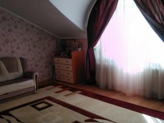 Продам двухкомнатную квартиру на Буюканах