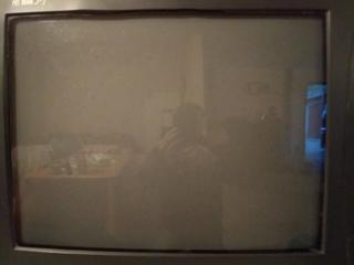 Продам телевизор 400 руб