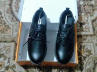 Туфли новые- для мальчика.