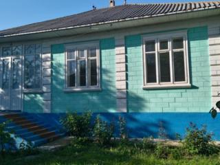 Casa in Blesteni, 12 km de la Edinet.