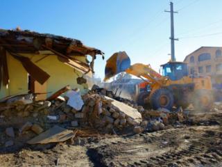 Снос домов строений очистка участков вывоз мусора спецтехника рабочие!