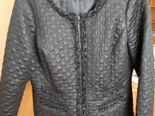 Продается куртка Шанель, размер 48-50, в отличном состоянии