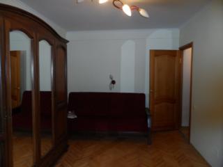 Apartament cu 2 camere, reparatie Euro, seria 102. Pardosea calda. Mobi
