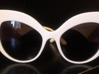 Продам женские супер стильные солнцезащитные очки DOLCE & GABBANA