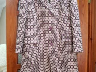 Женское пальто, осень-зима, размер 48-50, цена - 600 лей