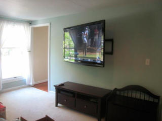 Установка телевизоров на стену. Монтаж телевизоров.