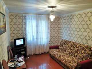 Apartament cu 3 camere separate, etajul 8 din 9.60m2, Ciocana