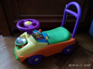 Муз. каруселька, машинка-толокатор, стульчик-зайчик, мягкие игрушки
