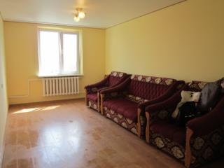 Se vinde camera in cămin. 3 camere la o secție.