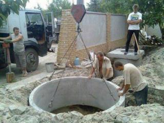 Бетонные кольца для канализации канализация под ключ копаем вручную и