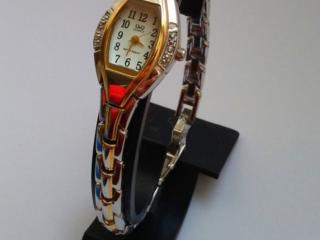 Продам японские женские Брендовые Часы Q&Q кварцевые водонепроницаемые