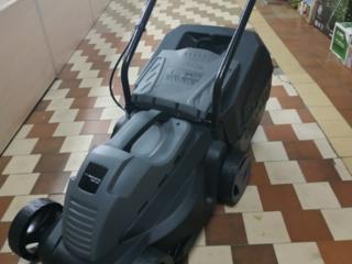 Продам новую электр. газонокосилку, 1350 рублей.