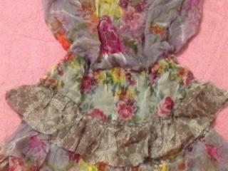 Красивое платье, одето 1 раз.