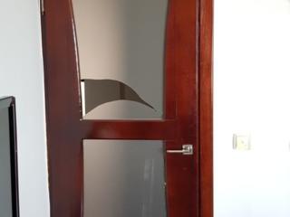 Ремонт дверей, установка стекла, резка, обработка. Reparatia usilor