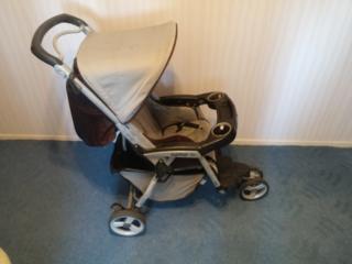 Продам итальянскую детскую коляску Peg-Perego Vela