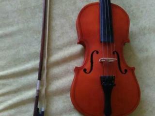 Скрипка 2/4 в отличном состоянии + Смычок с новым волосом + Чехол