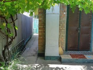 Продам кирпичный дом с гаражом в Тирасполе на Кирпичах! Торг