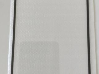Продам два защитных черных стекла на Redmi Note 4